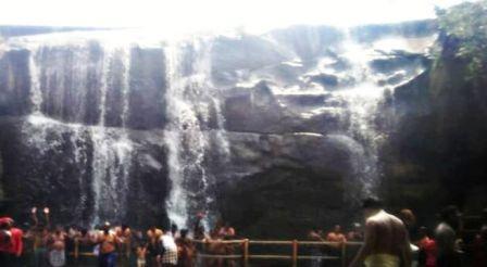Courtallam falls -Places to visit in Kanyakumari
