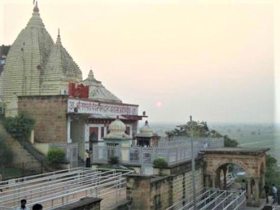 Adasa Ganesh Temple, 4000-year-old ancient temple portrays a lovely Bal Ganesha deity.